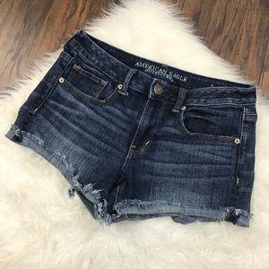 American Eagle Size 8 Shorts Raw Hem